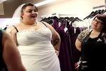 ファンキーすぎるデブ女子「JessieRetro」のレトロファッション動画