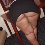 デカ尻とタイトスカート