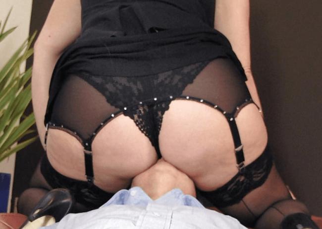圧迫顔騎もセックスもすべてが最高な、下半身デブ女性。