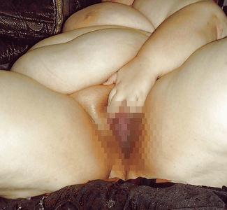 デブ熟女の裸体