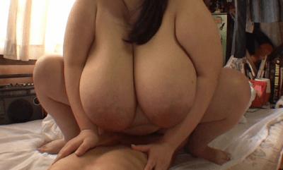 超乳すぎる女優