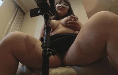太腿と巨乳