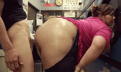 デブなハーフ美女の巨尻