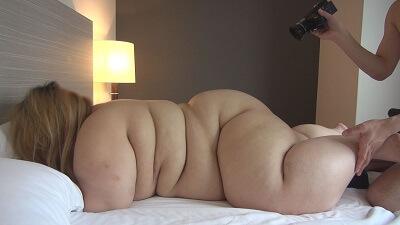100キロ女性の裸体